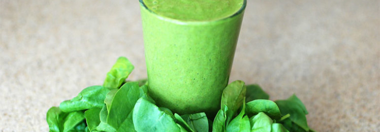 6 Yummy Smoothie Drinks to Aid in Digestion & Detox