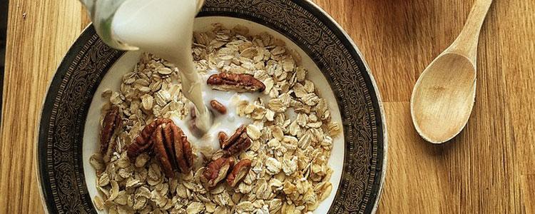 almond-milk-1074596_960_720