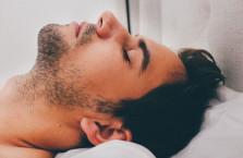 5 Reasons Men Should Always Sleep Naked