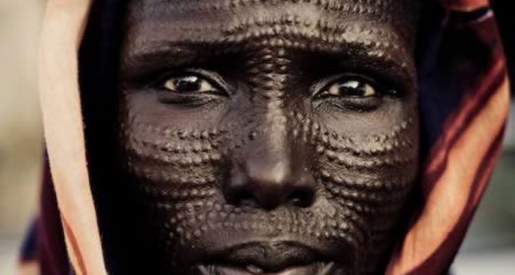 a98514_cultural-bodmod_7-facial-scarification