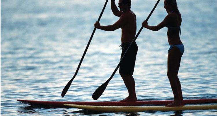 couple-paddle-boarding4651